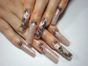 Маникюр с бабочками, нарощенные ногти с рисунком бабочек и цветов