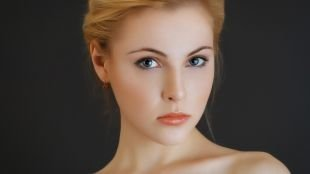 """Макияж для рыжих с голубыми глазами, макияж для овального лица в стиле """"нюд"""""""