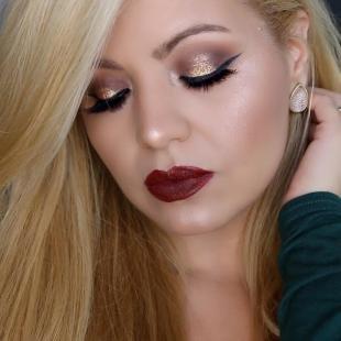 Макияж для блондинок с красной помадой, шикарный новогодний макияж
