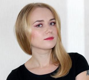 Макияж для блондинок с серо-голубыми глазами, макияж с розовыми тенями