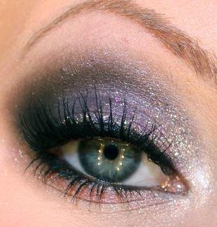 Свадебный макияж с фиолетовыми тенями, великолепный макияж для серых глаз блестящими тенями