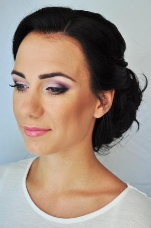 Свадебный макияж с фиолетовыми тенями, праздничный макияж для женщин после 40 лет
