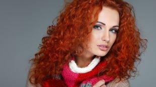 Прическа лесенка на длинные волосы, прическа на длинные вьющиеся волосы