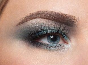 Макияж для голубых глаз под голубое платье, макияж для серо голубых глаз