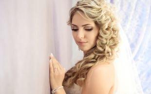 Свадебный макияж в персиковых тонах, свадебный макияж для зеленых глаз в серо-коричневых тонах