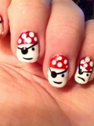 Дизайн ногтей акриловыми красками, интересный маникюр на пиратскую тему