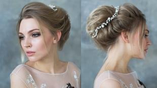 Прически с диадемой на выпускной на длинные волосы, свадебная прическа с аксессуарами