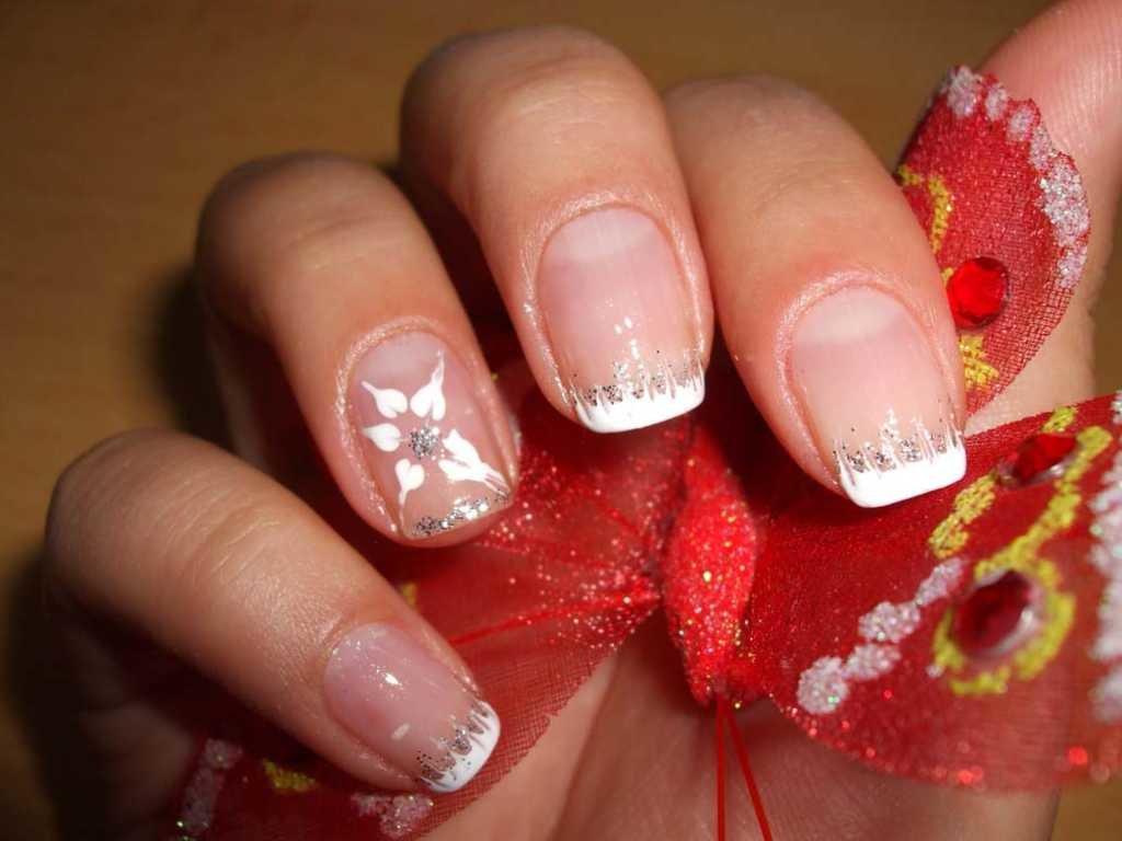 Маникюр на средние ногти френч