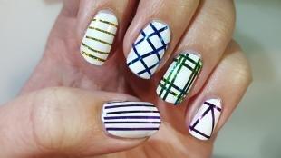 Дизайн ногтей с фольгой, узоры на ногтях с помощью фольги