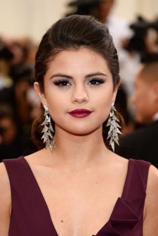 Голливудский макияж, вечерний макияж под бордовое платье