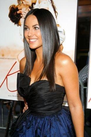 Модные женские прически на длинные волосы, сдержанная прическа на выпускной для длинных волос