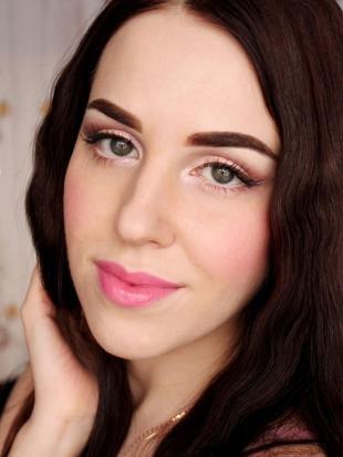 Дневной макияж для брюнеток, великолепный макияж для серых глаз