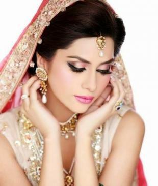 Свадебный макияж в восточном стиле, индийский макияж в розовых тонах