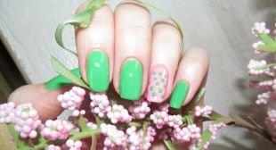 Зеленый маникюр, зелено-розовый маникюр с использованием дотса