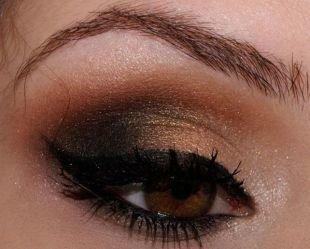 Яркий макияж для карих глаз, макияж смоки айс с коричневыми тенями