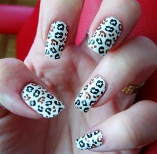 Леопардовые рисунки на ногтях, модный леопардовый маникюр