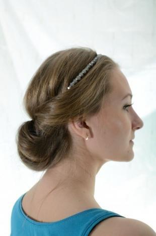 Натурально русый цвет волос, греческая прическа на каждый день