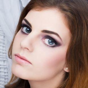 Свадебный макияж для шатенок, макияж для серых глаз в сливовых тонах