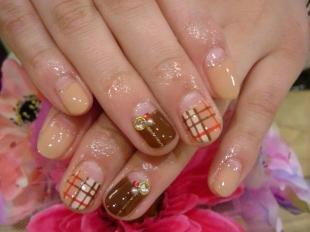 Осенние рисунки на ногтях, дизайн ногтей в клетку