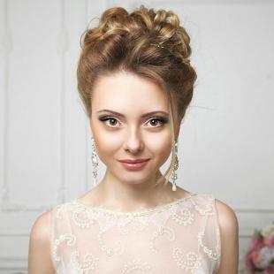 Цвет волос светлый орех на длинные волосы, высокая вечерняя прическа для круглого лица