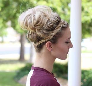 Стрижки и прически на длинные волосы, прическа на выпускной с косой-ободком