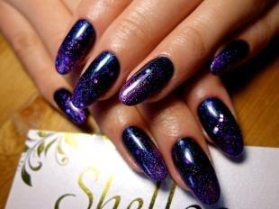 Аквариумный дизайн ногтей, темный маникюр с блестками