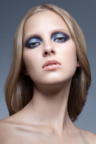 Макияж для голубых глаз с голубыми тенями, темный макияж серых глаз