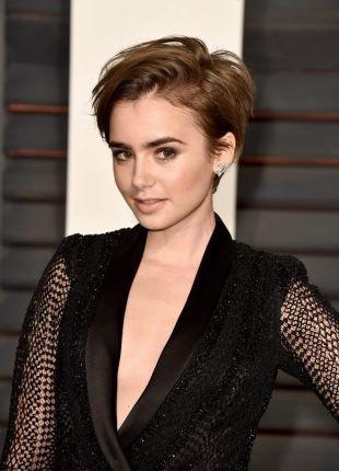 Светло коричневый цвет волос на короткие волосы, укладка короткой стрижки на бок