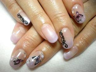 Рисунки на ногтях акрилом, маникюр с бабочками и узором