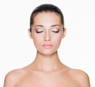 Естественный макияж для голубых глаз, дневной макияж в натуральной гамме