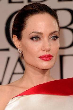 Макияж для брюнеток с серыми глазами, вечерний макияж с красной помадой для женщин после 40 лет