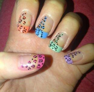 Мятный маникюр, разноцветный леопард